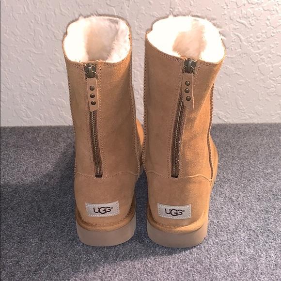 731e5ae88a6 Ugg classic short zip bootie
